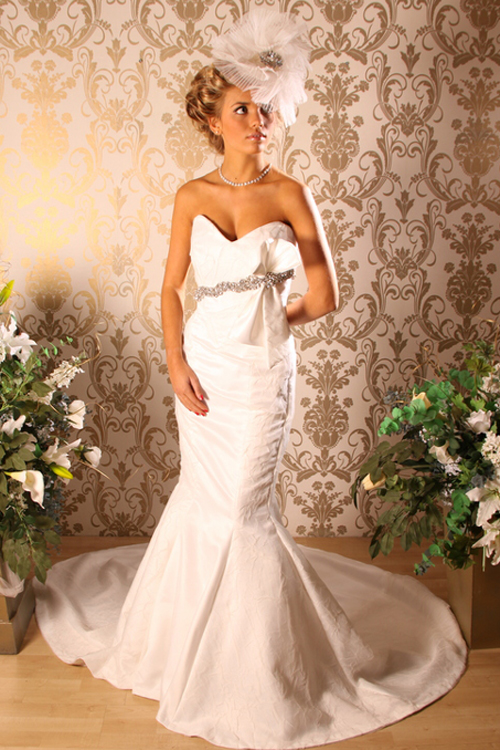 Mojgan Bridal Couture 317 Wimborne Road Winton Bournemouth Dorset Bh9 2ad Uk Tel 44 0 1202 525 123 Email Studio Co