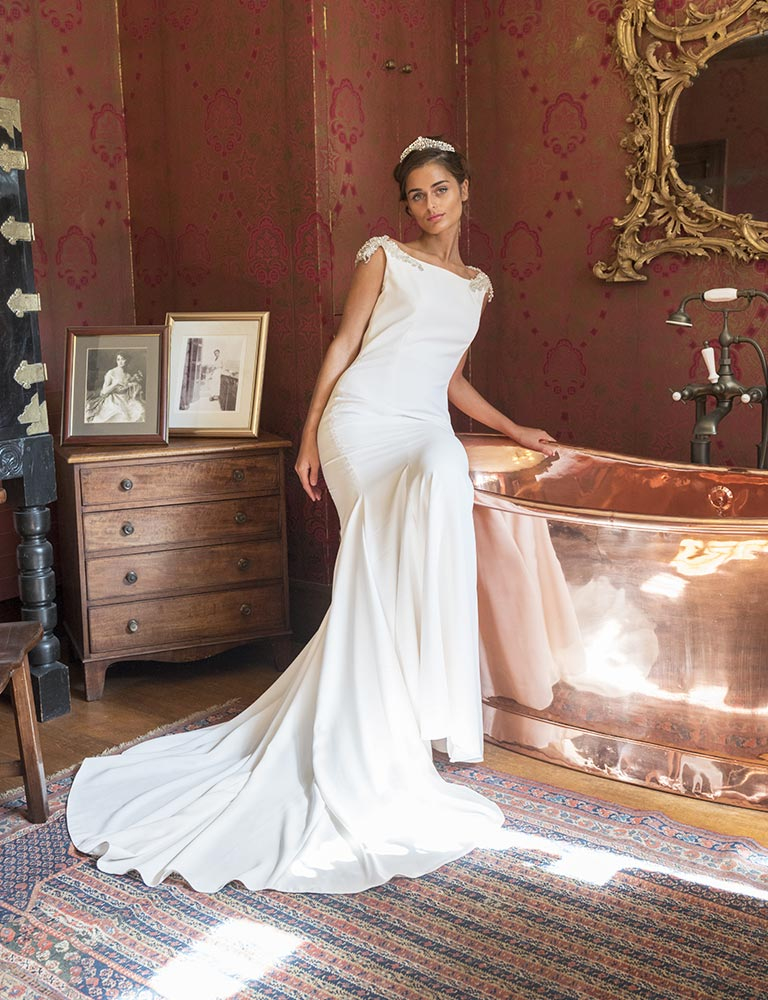 bespoke-wedding-dresses-bouremouth